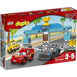La course de la Piston Cup - LEGO 10857