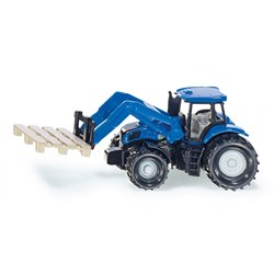 Tractor with fork for palets